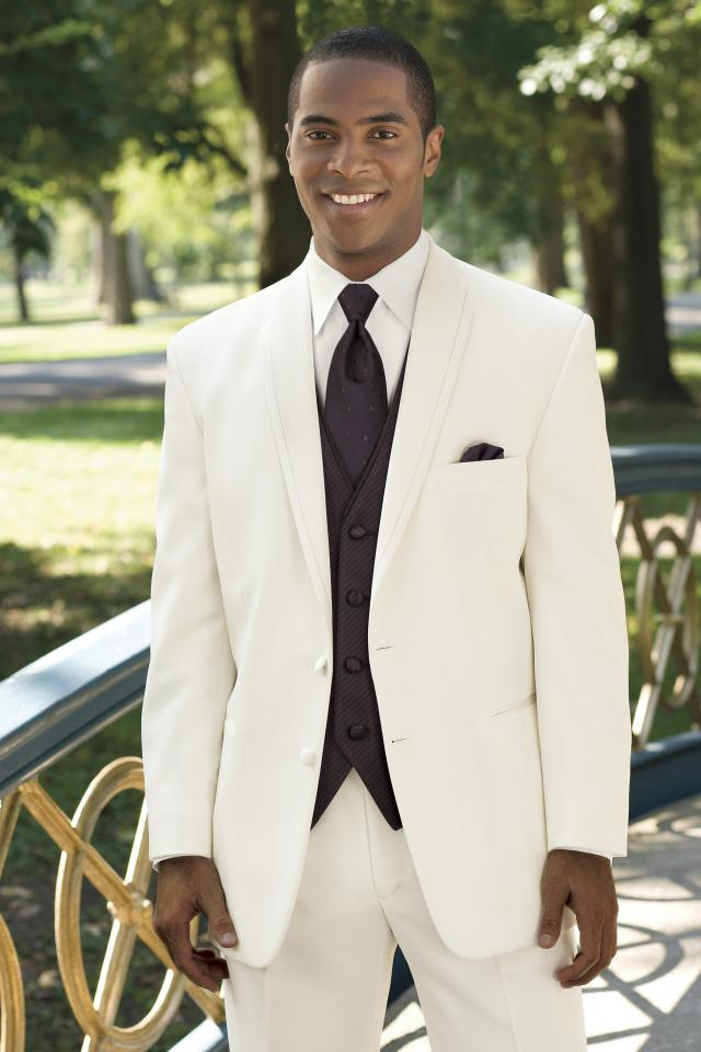 Tuxedo Rentals | Wedding Tuxedos | Toledo |Atlas Bridal Shop